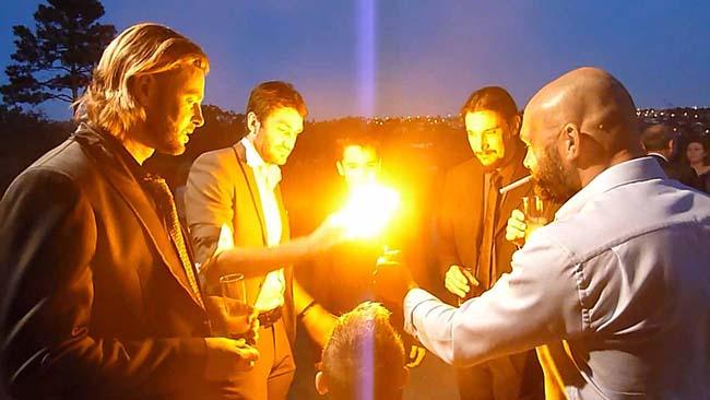 Apparition dans une boule de feu