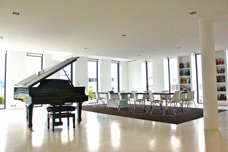 loft prestigieux lyon confluence magicien lyon mentaliste. Black Bedroom Furniture Sets. Home Design Ideas