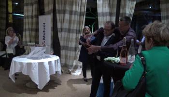 sabrage de champagne par le directeur du credit mutuel