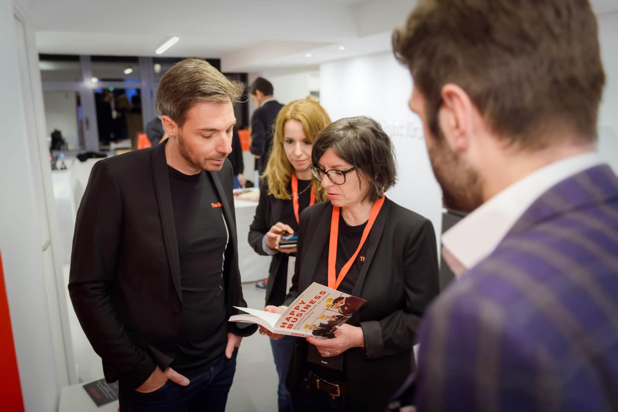 Prestations de magie à lyon et en suisse pour animation stand salon professionnel