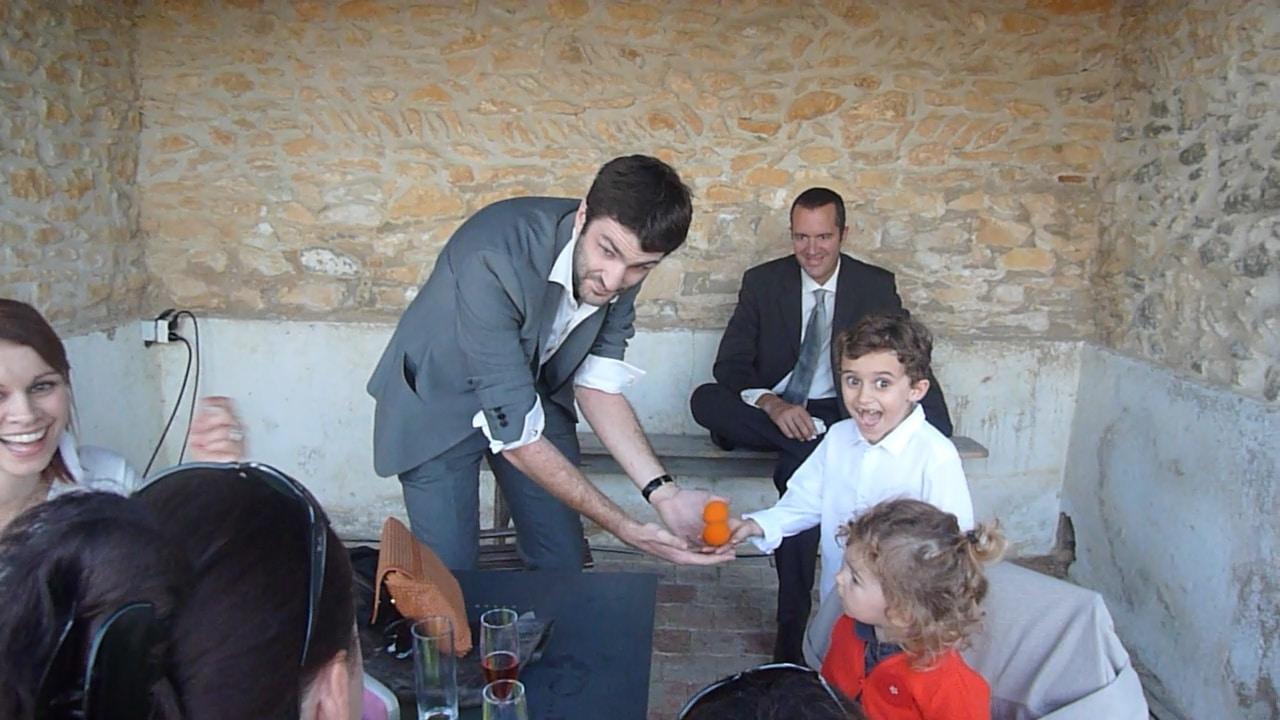Magicien pour votre anniversaire Lyon Paris Geneve (1)