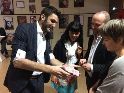 Magicien Mentaliste à Paris pour les entreprises Geneve Lyon