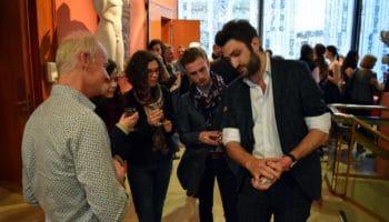 Magicien Mentaliste à Paris pour les entreprises Lyon Geneve prestation close-up