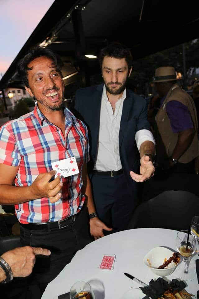 Magicien à Lyon pour vos événements d'entreprise et Auvergne-Rhône-Alpes Paris Geneve